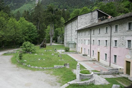 Delitto Ad Alta Quota In Relais In Val Masino, Parti Ora Per Il Tuo ...
